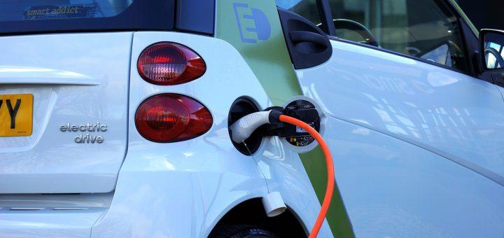 Wohneigentumsanlage: Elektromobil-Ladestation ist zustimmungspflichtige bauliche Veränderung